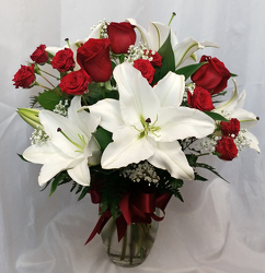 Romance Special from Shaw Florists in Grand Rapids, MN